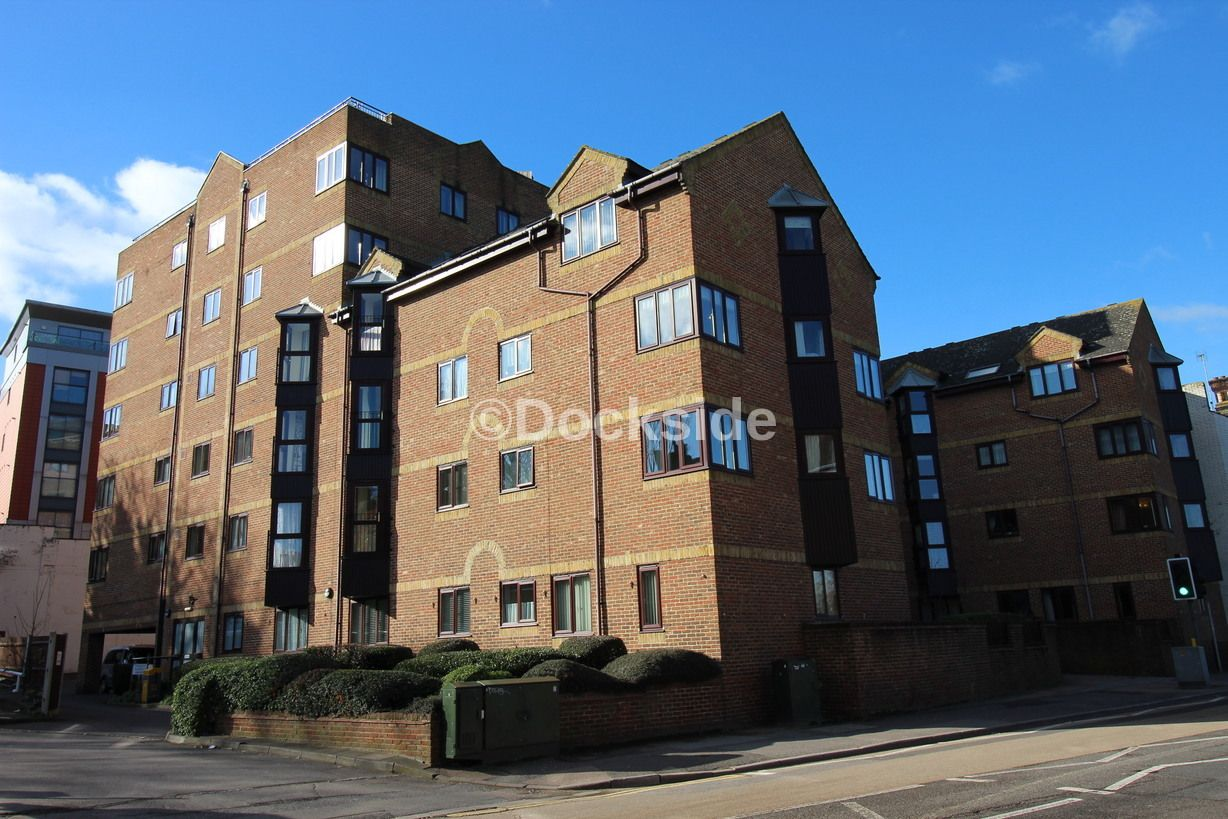 2 bed  for sale in High Street  - Property Image 2