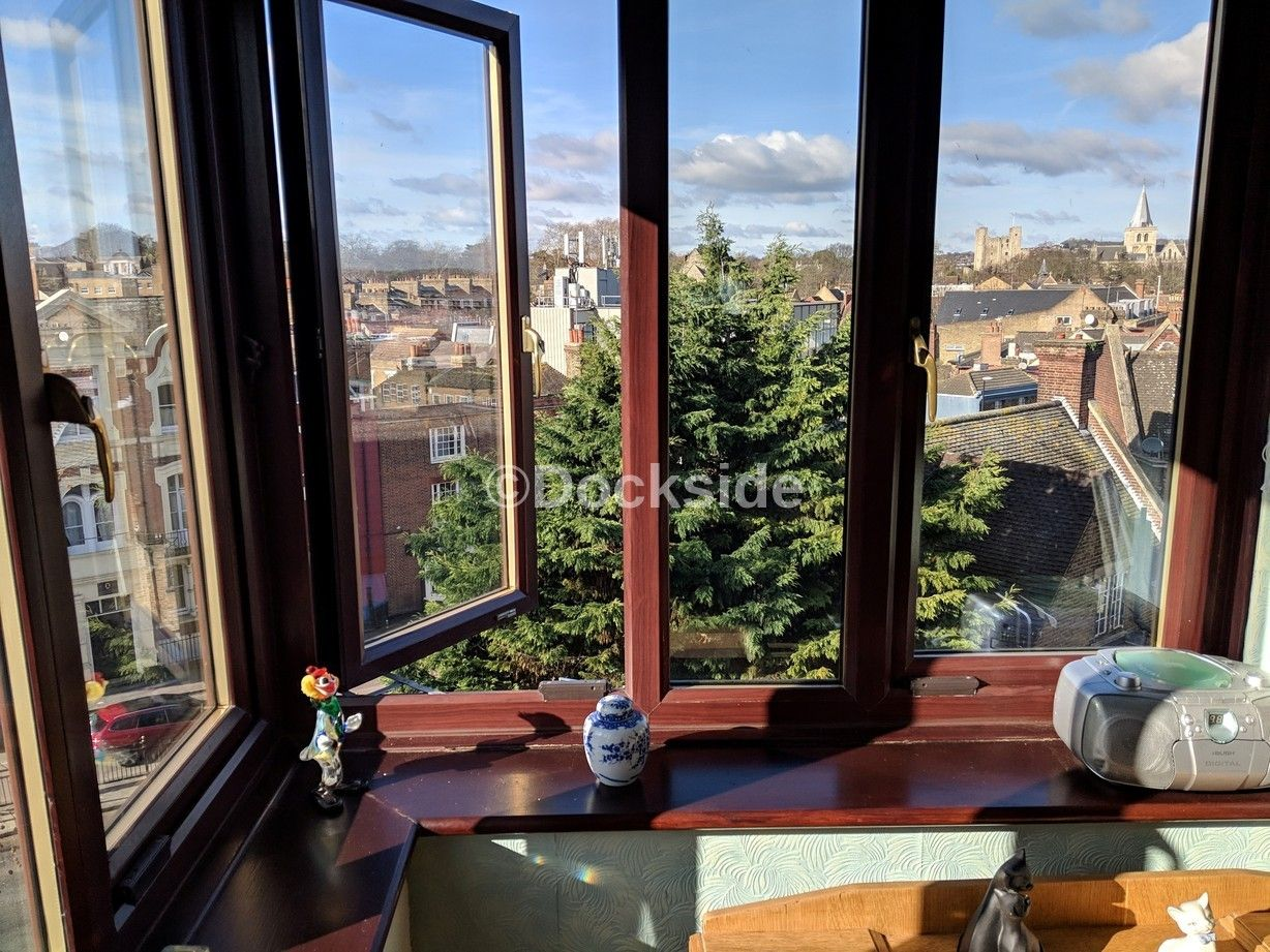 2 bed  for sale in High Street  - Property Image 8
