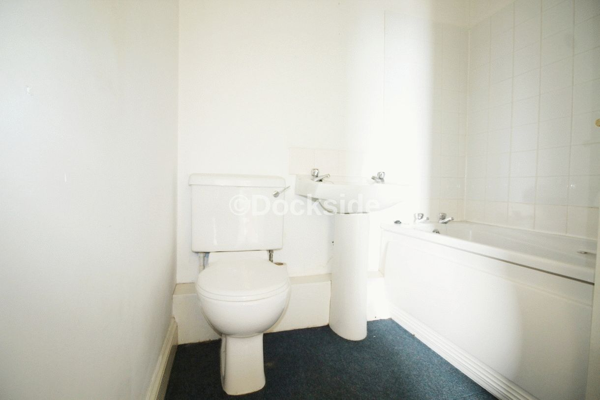 2 bed flat for sale in High Street  - Property Image 6