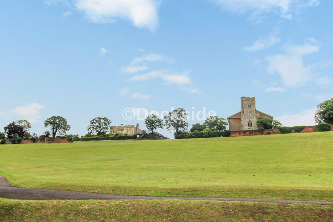 2 bed flat for sale in Esplanade  - Property Image 12