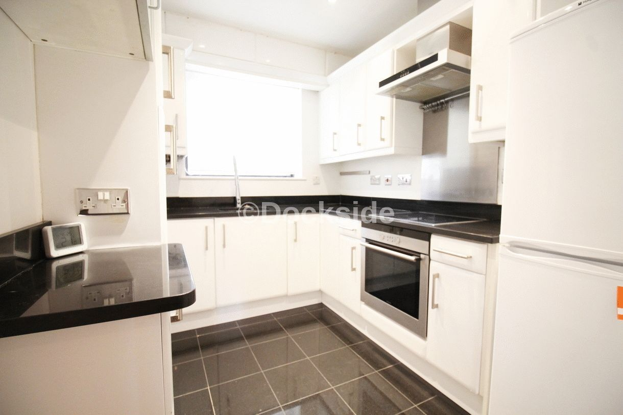 2 bed flat for sale in Esplanade  - Property Image 4
