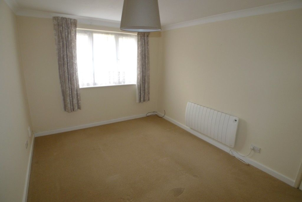 2 bed Flat to rent in Briary Court, Sidcup, DA14  - Property Image 8