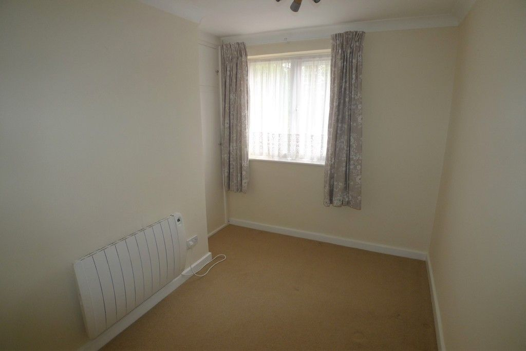 2 bed Flat to rent in Briary Court, Sidcup, DA14  - Property Image 9