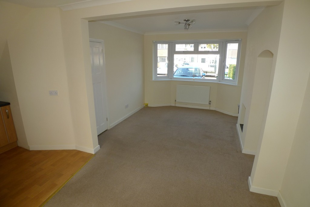 3 bed House to rent in Norfolk Crescent, Sidcup  - Property Image 2