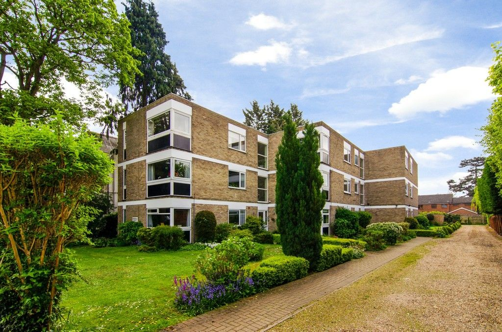 2 bed flat for sale in Manor Park Road, Chislehurst, BR7, BR7