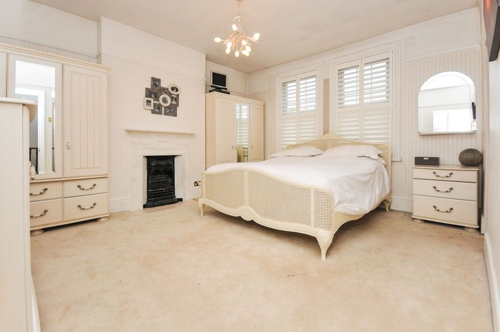 5 bed House for sale in Church Avenue, Sidcup, DA14  - Property Image 6