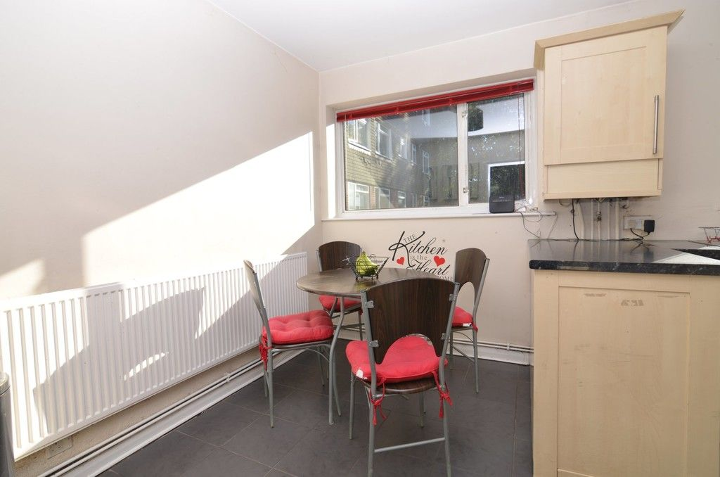 2 bed flat for sale in Woodchurch Close, Sidcup, DA14  - Property Image 3