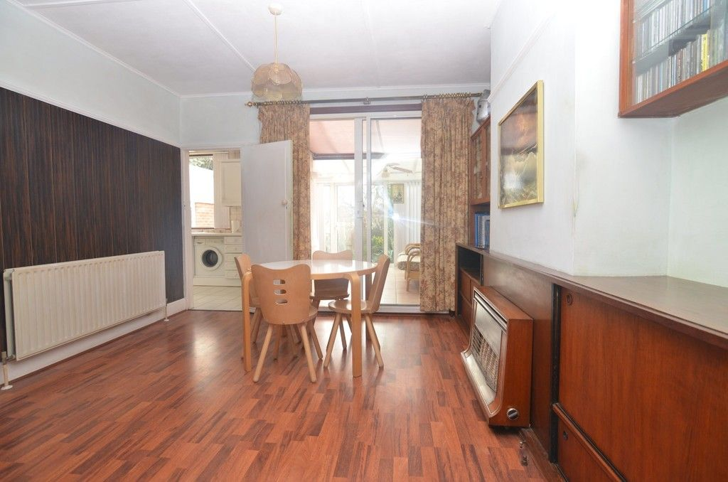 3 bed House for sale in Montrose Avenue, Sidcup, DA15  - Property Image 3