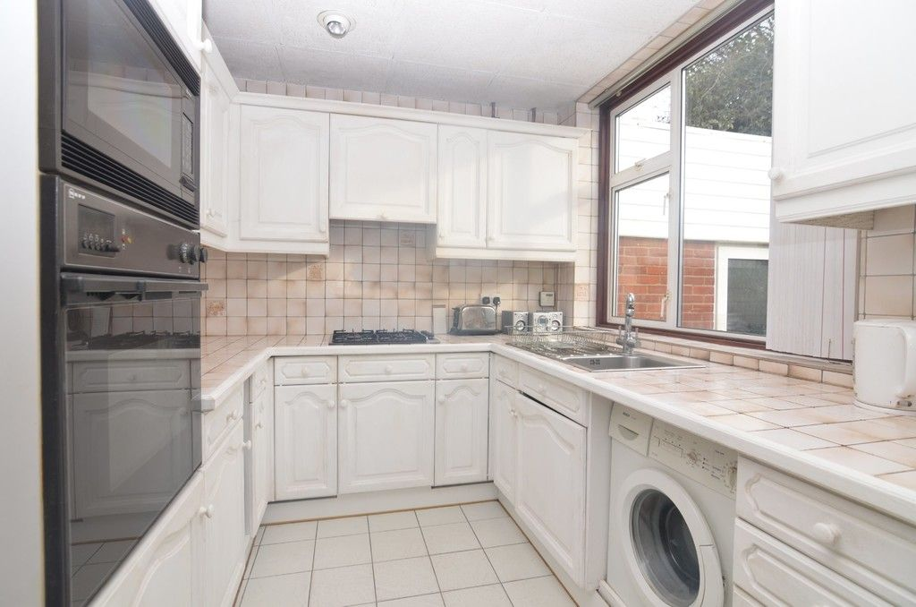 3 bed House for sale in Montrose Avenue, Sidcup, DA15  - Property Image 4