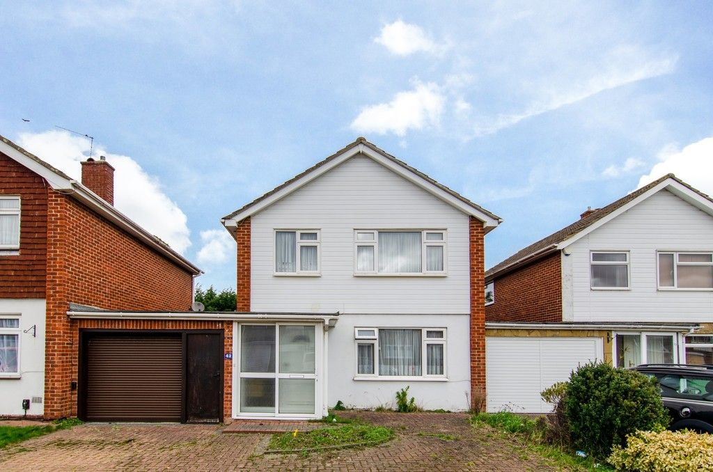 3 bed house for sale in Maiden Erlegh Avenue, Bexley, DA5 - Property Image 1