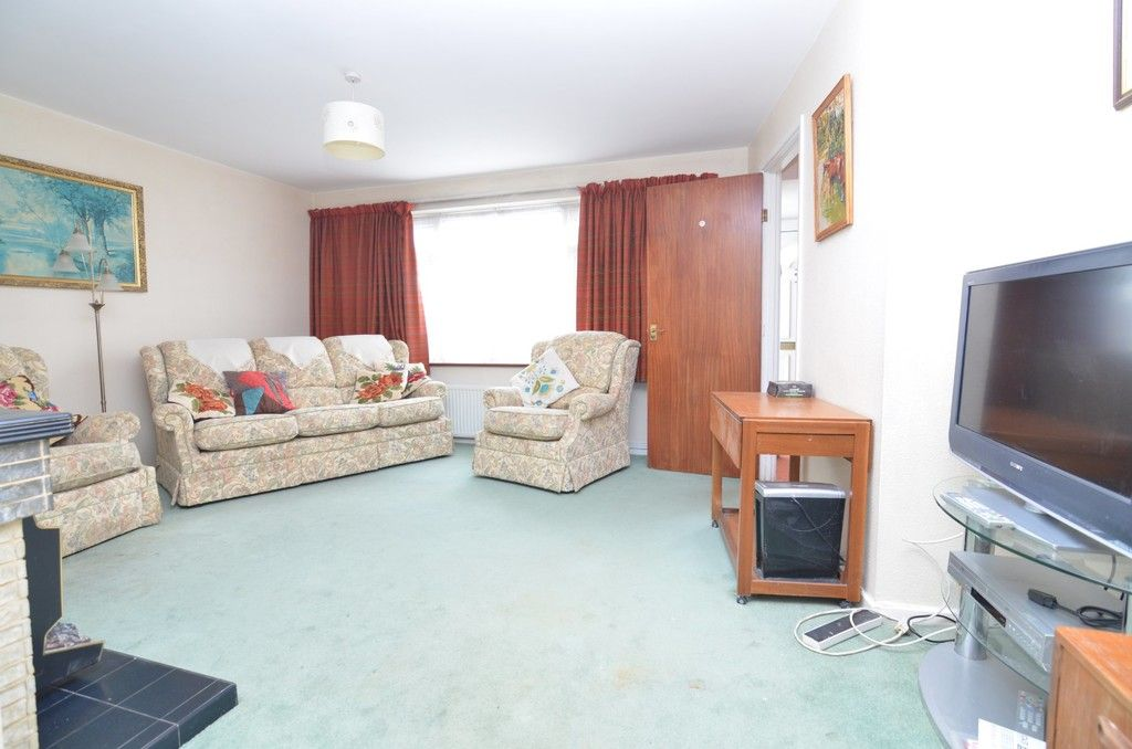 3 bed House for sale in Maiden Erlegh Avenue, Bexley, DA5  - Property Image 3
