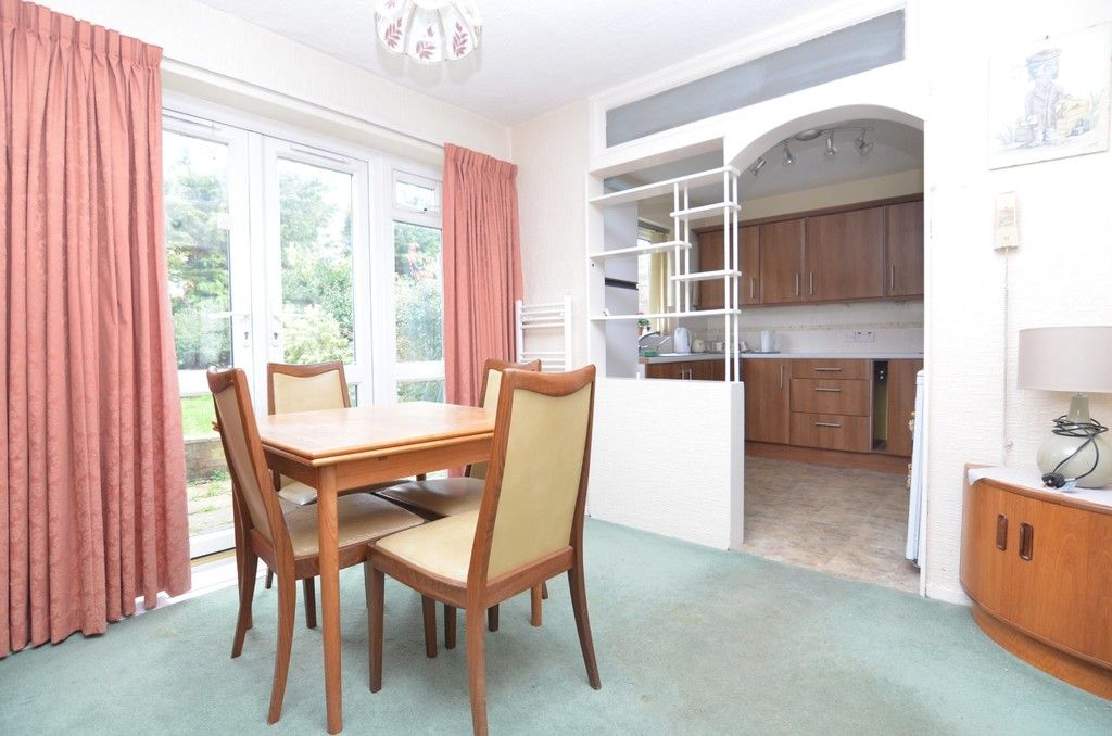 3 bed House for sale in Maiden Erlegh Avenue, Bexley, DA5  - Property Image 4
