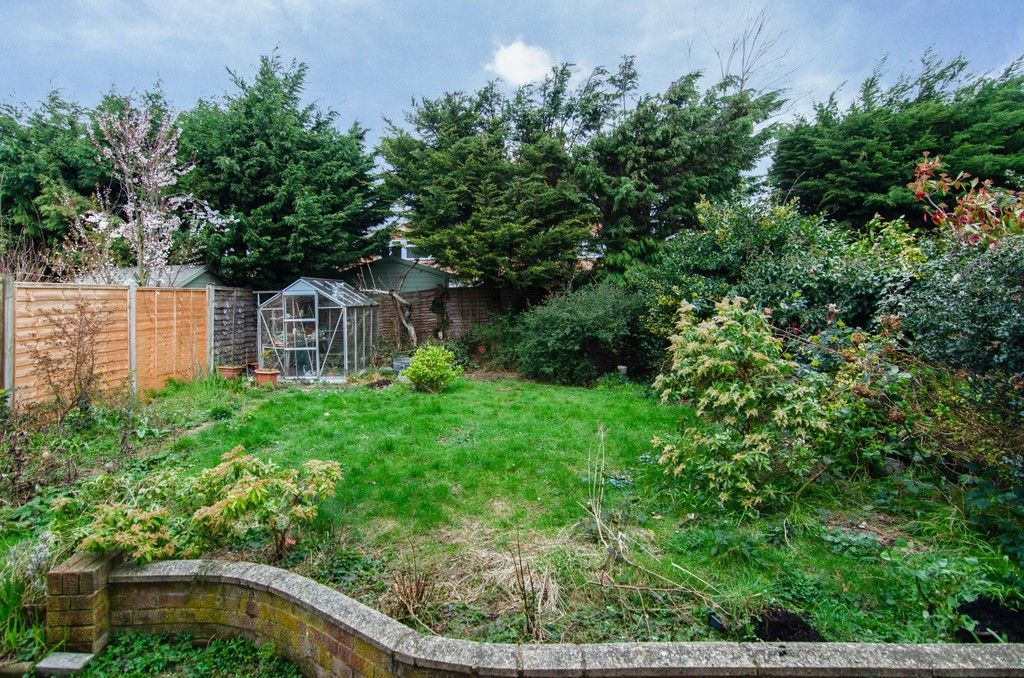 3 bed House for sale in Maiden Erlegh Avenue, Bexley, DA5  - Property Image 8