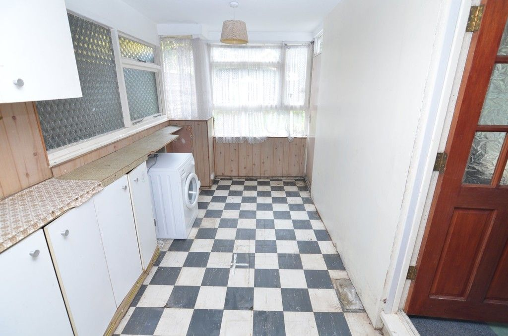 3 bed House for sale in Maiden Erlegh Avenue, Bexley, DA5  - Property Image 9