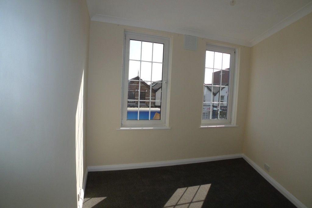 2 bed Flat to rent in Station Road, Sidcup, DA15  - Property Image 5