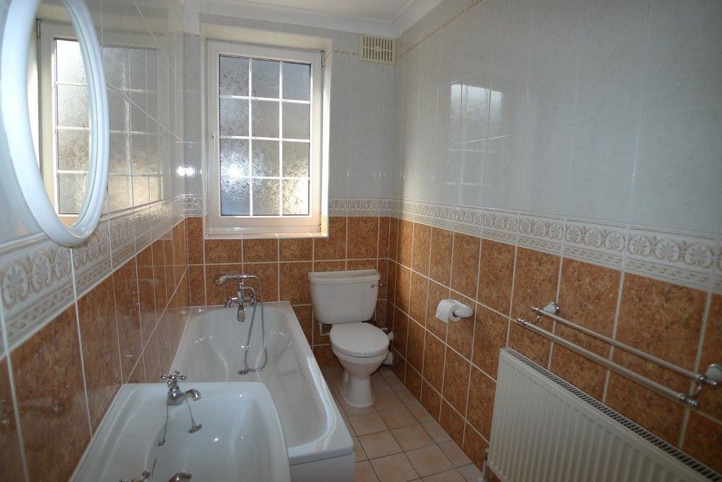 2 bed Flat to rent in Station Road, Sidcup, DA15  - Property Image 6
