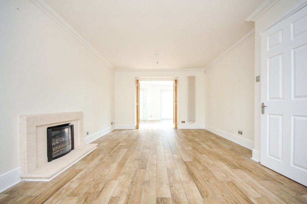 4 bed House for sale in Redwood Close, Sidcup, DA15  - Property Image 3