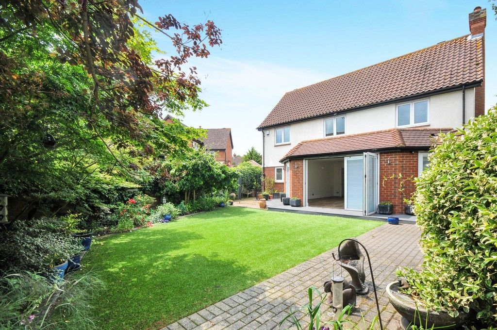 4 bed House for sale in Redwood Close, Sidcup, DA15  - Property Image 8