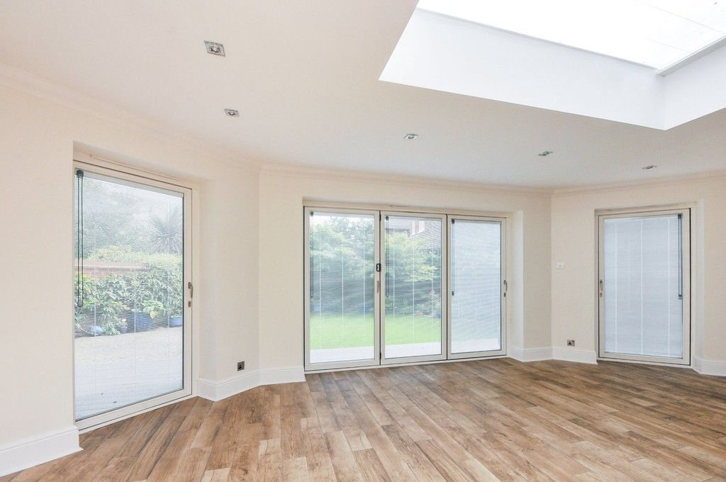 4 bed House for sale in Redwood Close, Sidcup, DA15  - Property Image 9