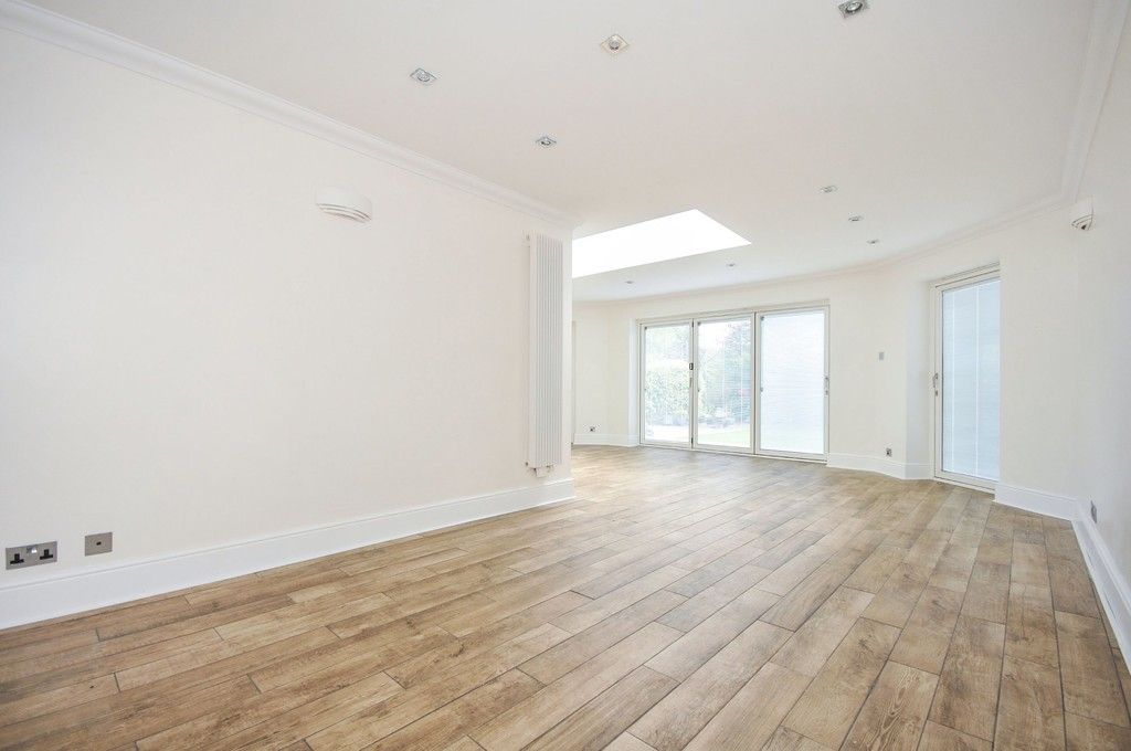 4 bed House for sale in Redwood Close, Sidcup, DA15  - Property Image 10