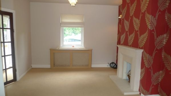 2 bed house to rent in Oaklands Terrace, NP44