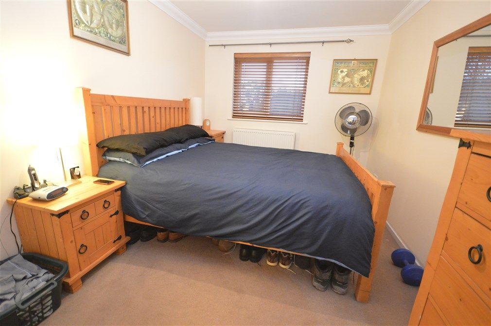 1 bed flat to rent in Perthy Close  - Property Image 4