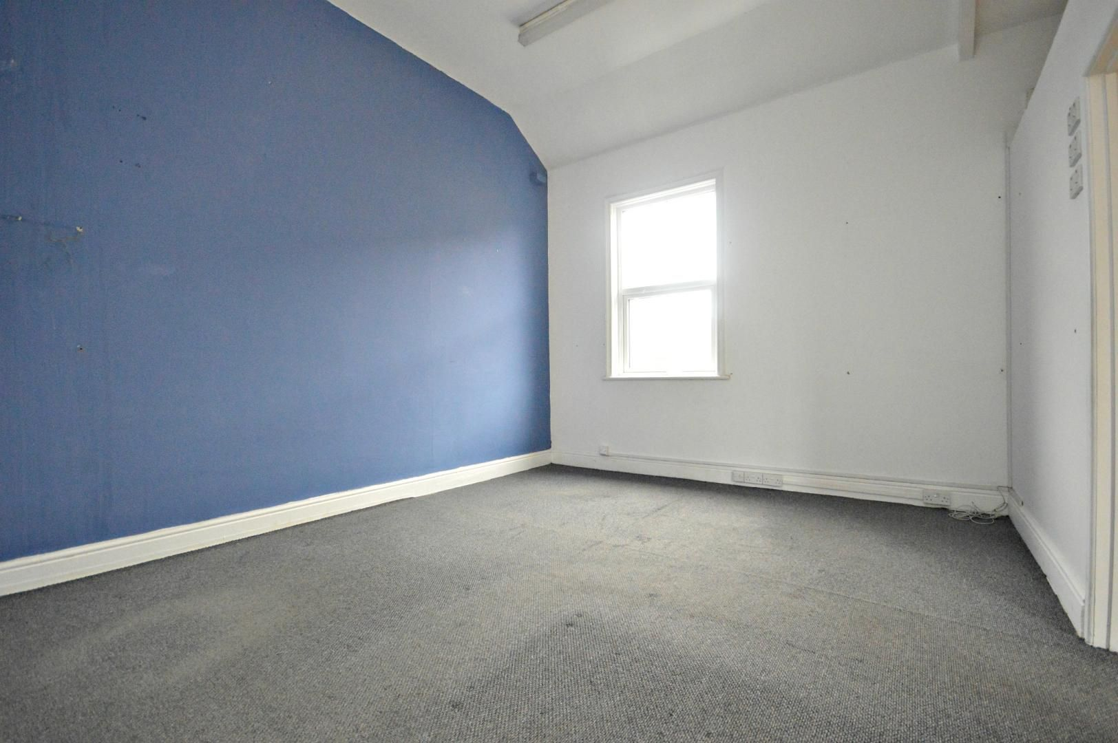 Flat to rent in New Street 1
