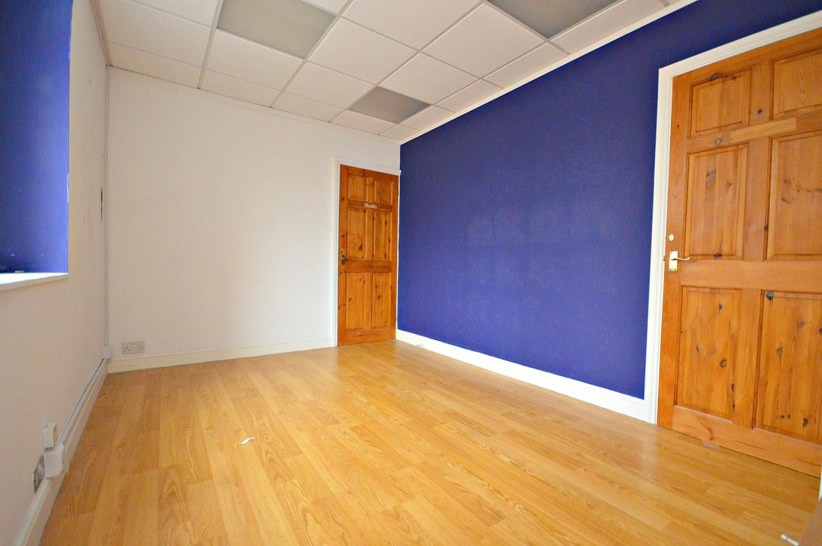 Flat to rent in New Street 4