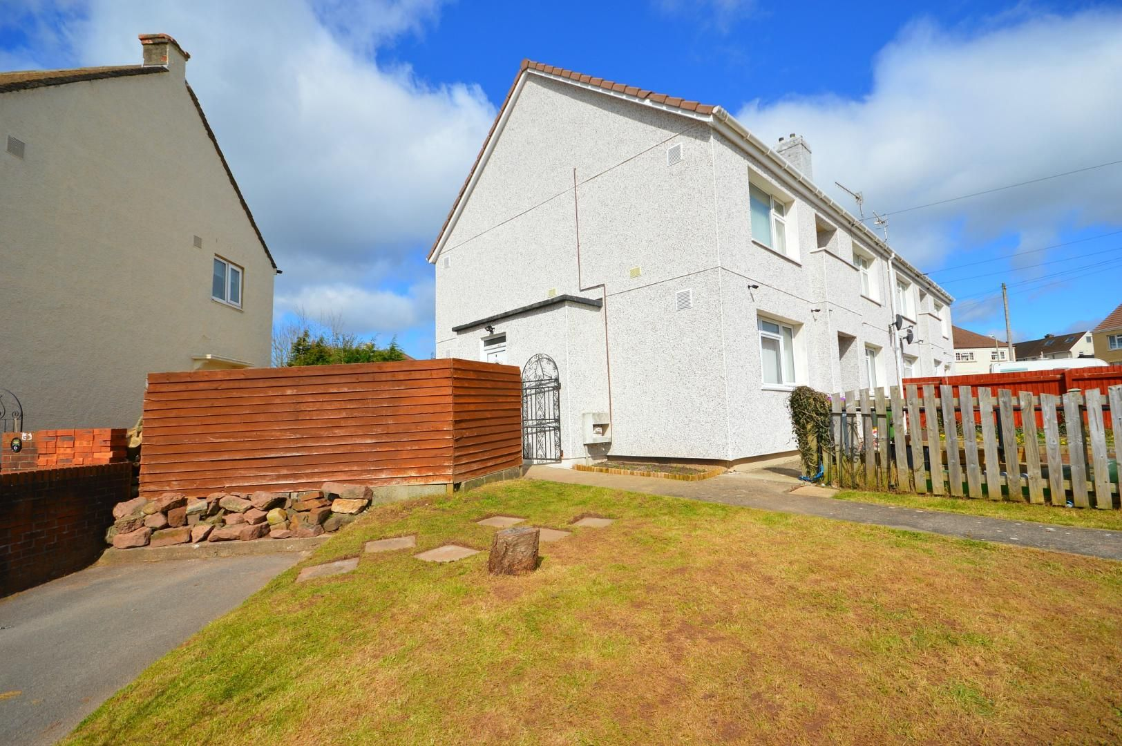 2 bed flat to rent in Glosters Parade  - Property Image 13