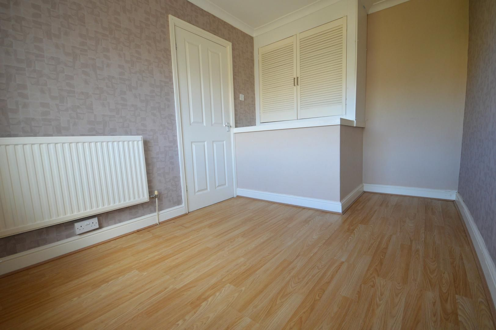 2 bed flat to rent in Glosters Parade  - Property Image 3