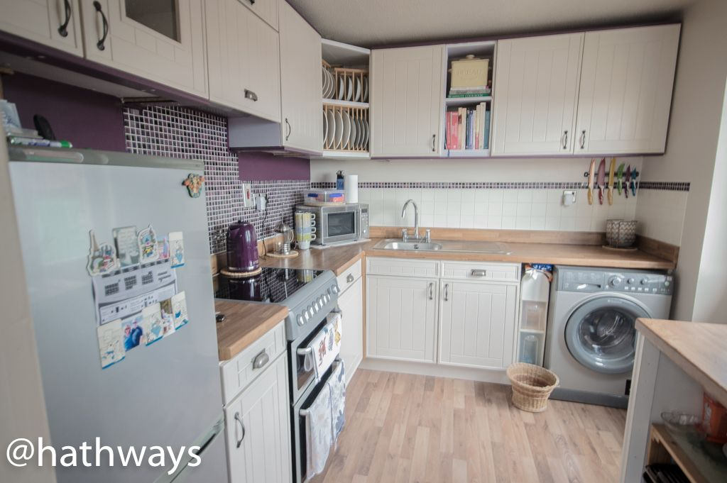 2 bed bungalow for sale in Beechleigh Close  - Property Image 2