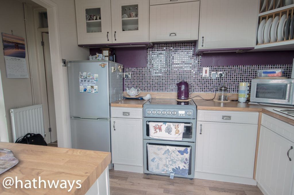 2 bed bungalow for sale in Beechleigh Close 3