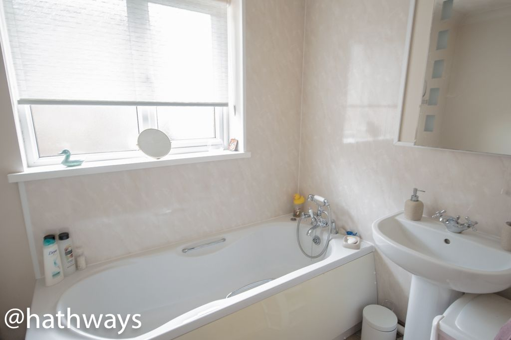 2 bed bungalow for sale in Beechleigh Close 6