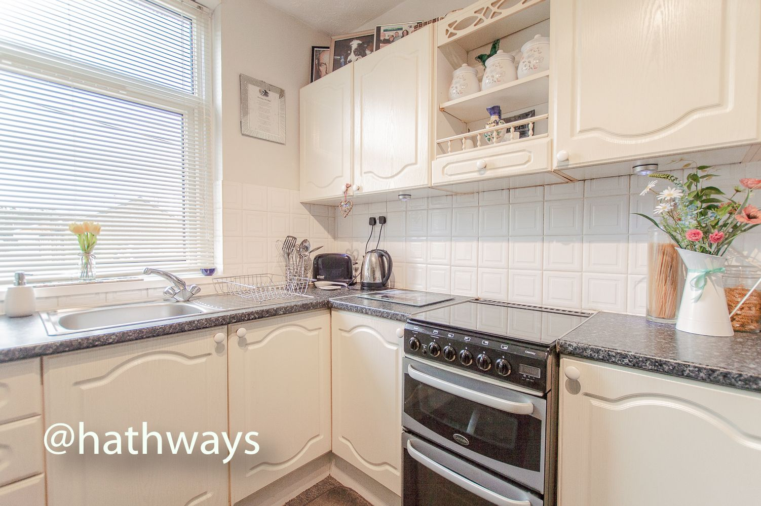2 bed house for sale in Golynos Place Albert Road  - Property Image 5