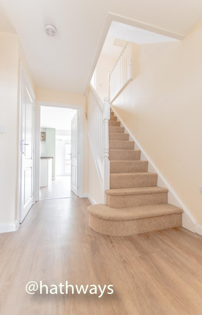 4 bed house for sale in Chapel Walk  - Property Image 3
