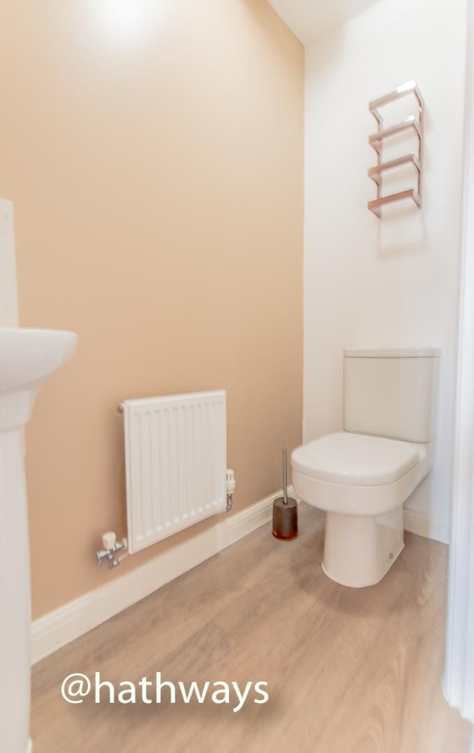 4 bed house for sale in Chapel Walk  - Property Image 4