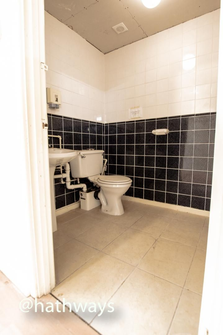 to rent in West Market Street  - Property Image 16