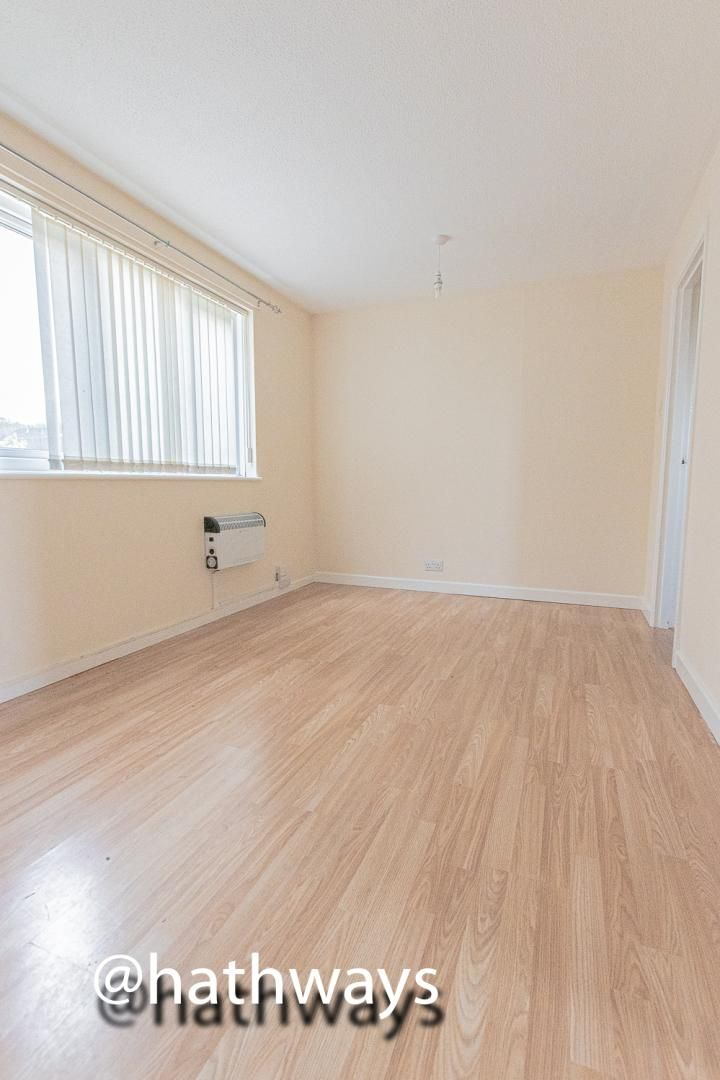Flat for sale in Pentre Close  - Property Image 3