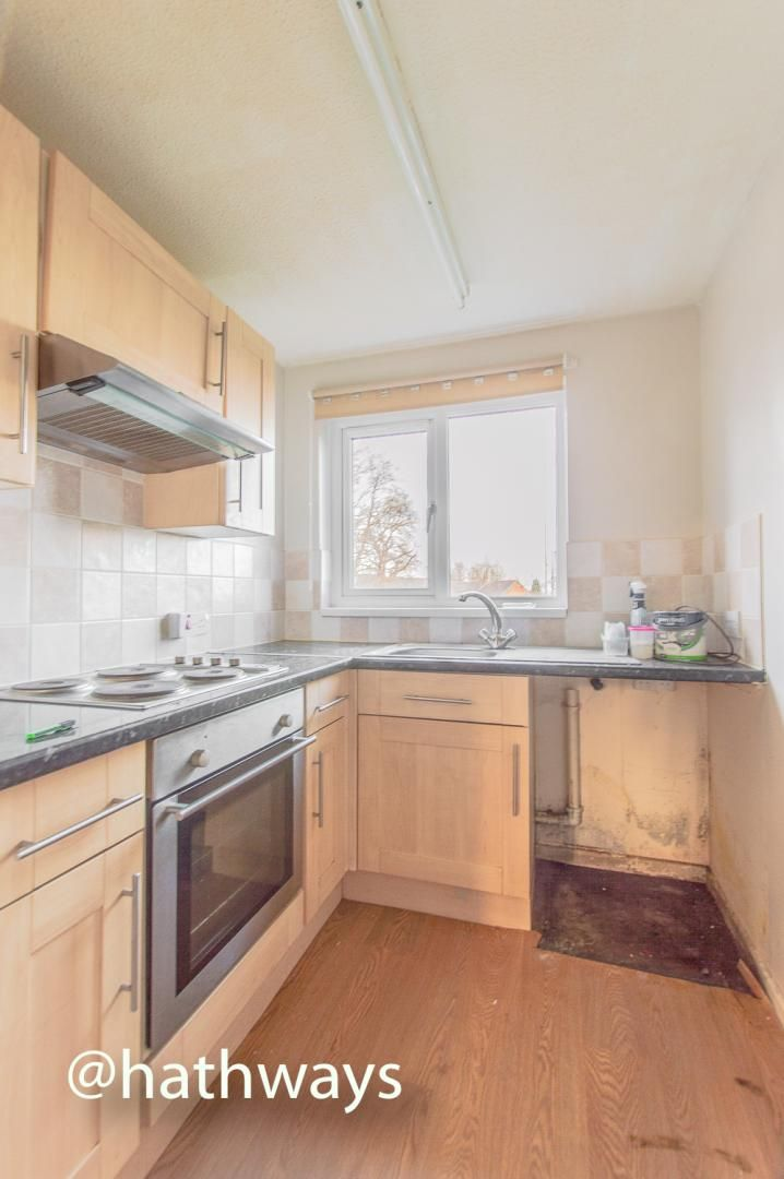 Flat for sale in Pentre Close  - Property Image 7