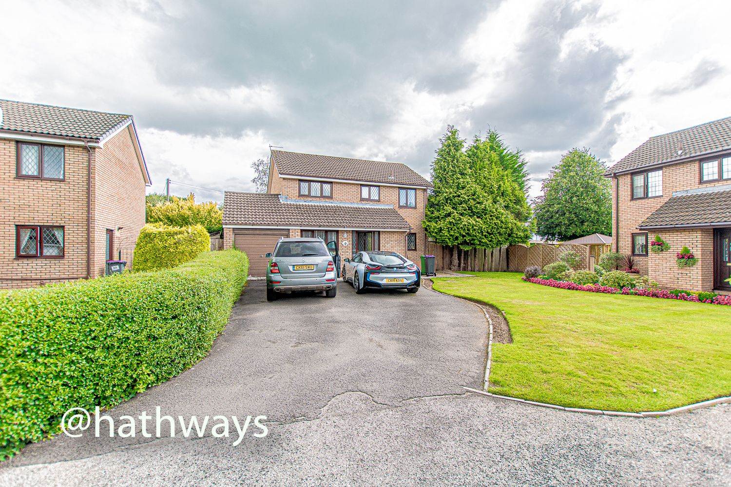 4 bed house for sale in Springfield Close  - Property Image 1