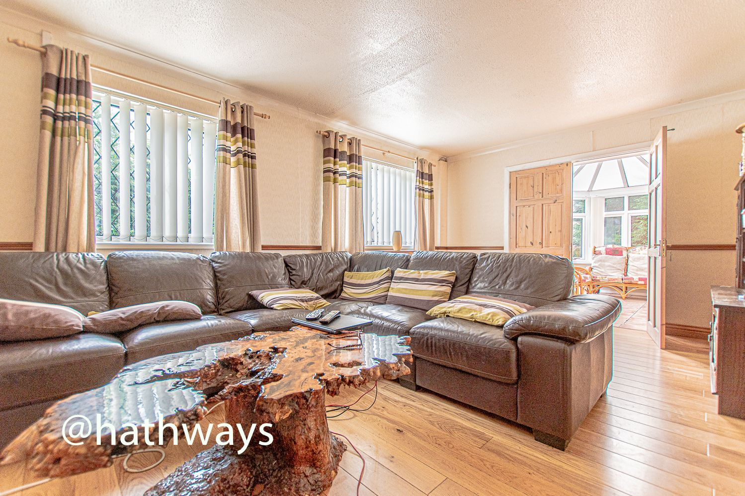 4 bed house for sale in Springfield Close  - Property Image 5