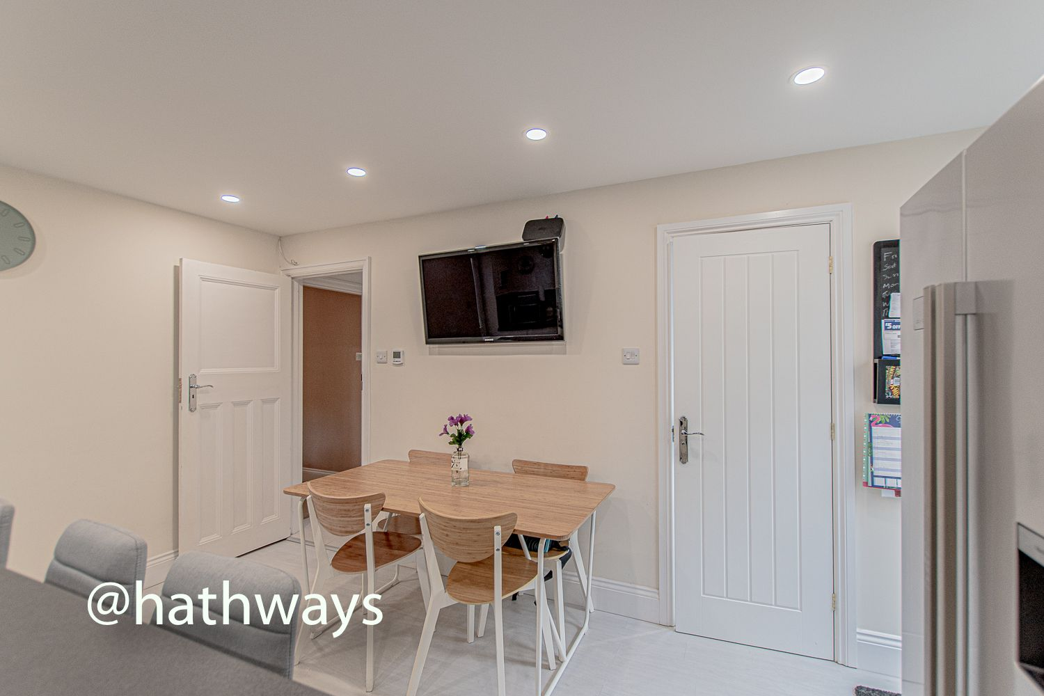 4 bed house for sale in Queens Hill Crescent 13