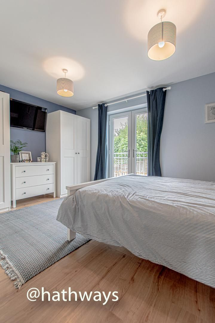 4 bed house for sale in Queens Hill Crescent 26