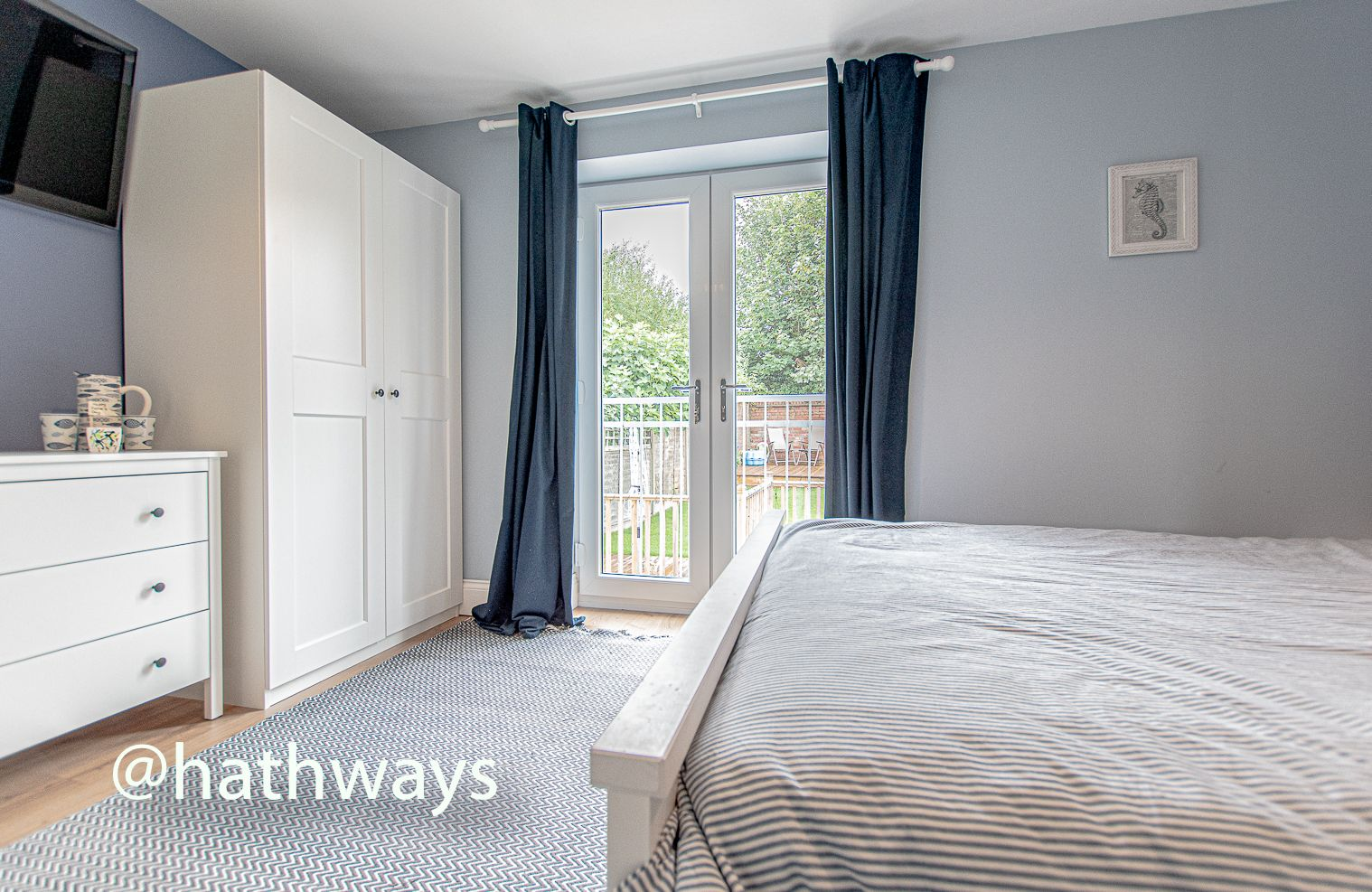 4 bed house for sale in Queens Hill Crescent 28