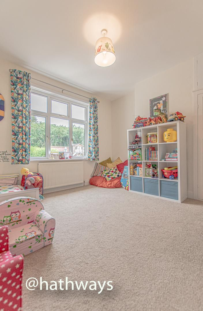 4 bed house for sale in Queens Hill Crescent 36