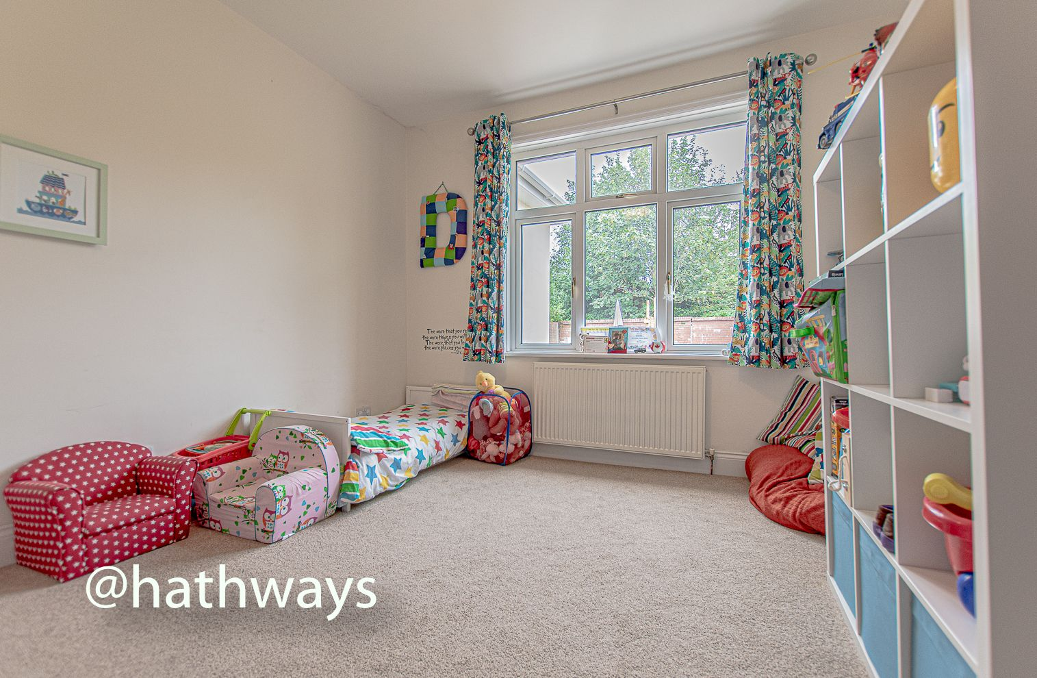 4 bed house for sale in Queens Hill Crescent 37