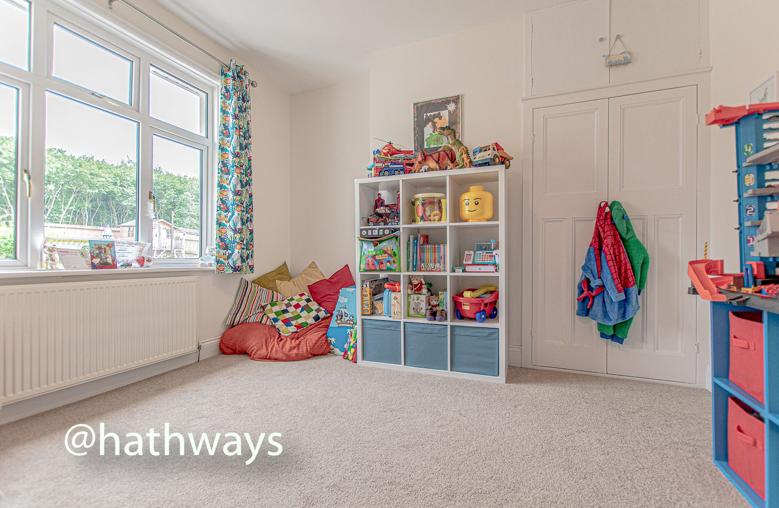 4 bed house for sale in Queens Hill Crescent 38