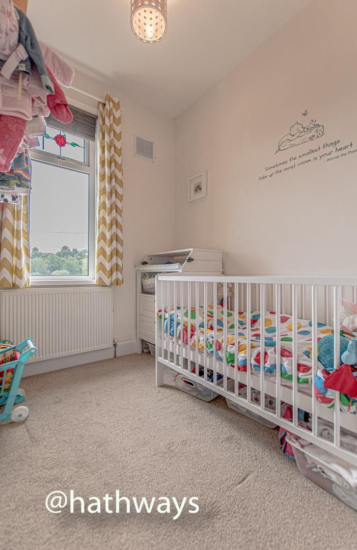 4 bed house for sale in Queens Hill Crescent 40