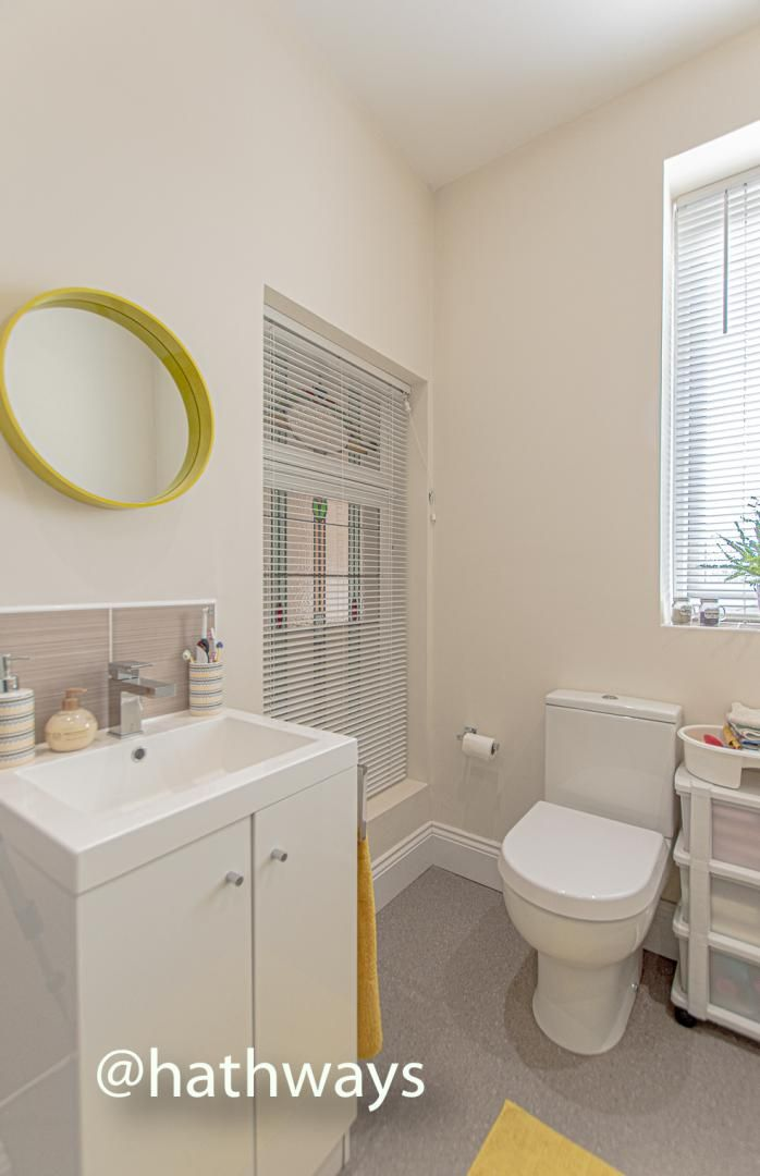 4 bed house for sale in Queens Hill Crescent 43