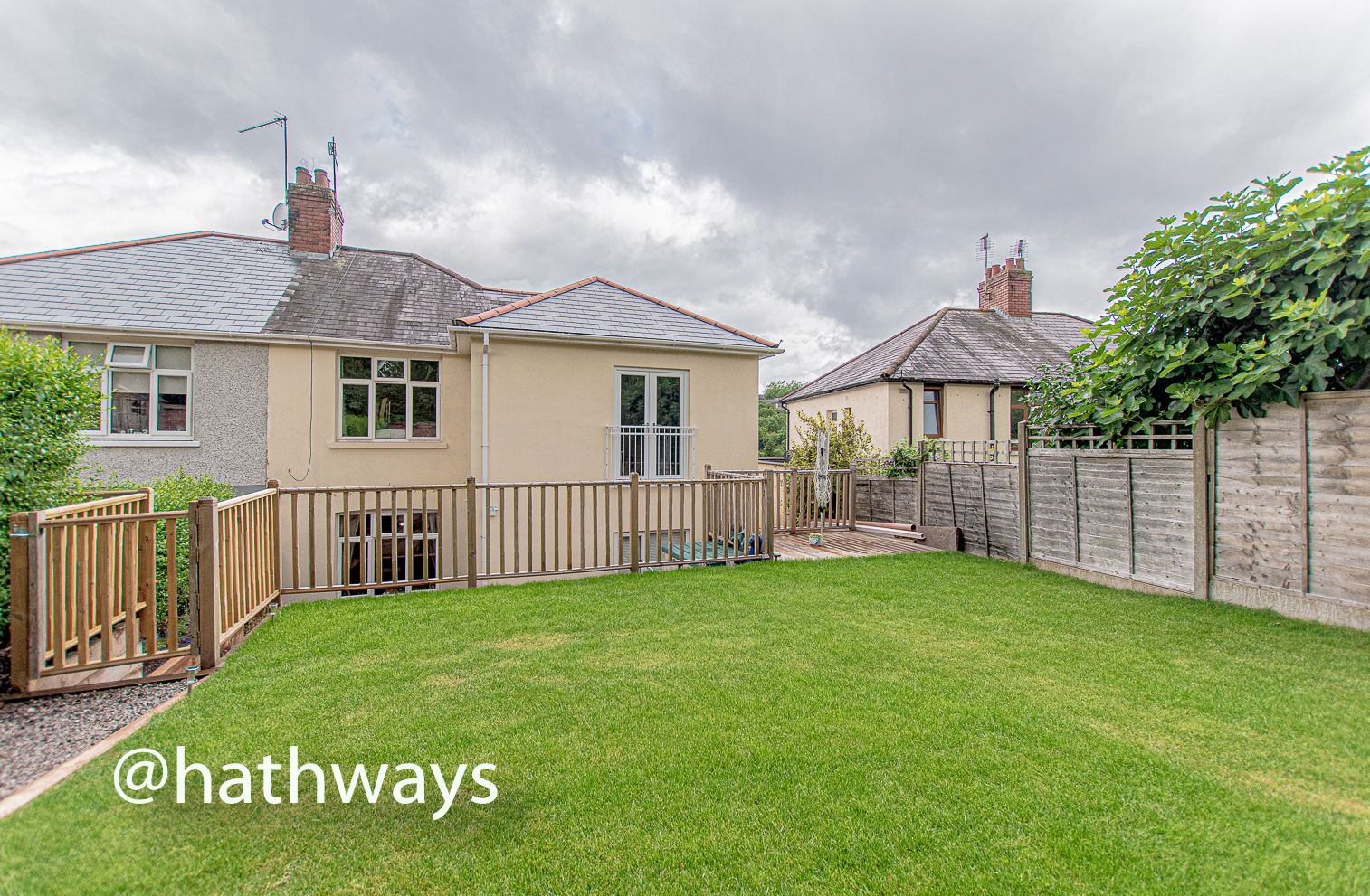4 bed house for sale in Queens Hill Crescent 45